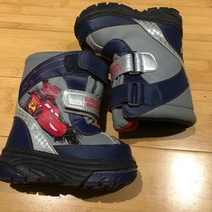 Disney Cars snow boots kids size 6